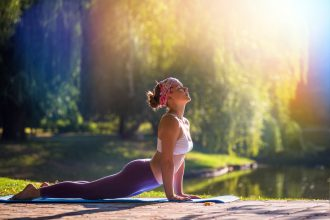 7 Hottest Yoga Addicts to Follow on Instagram