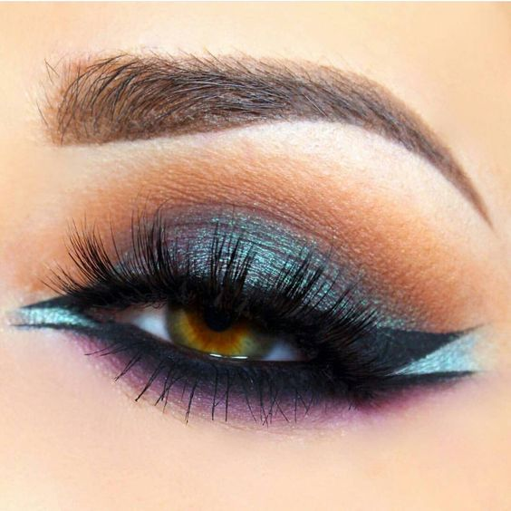 two-toned winged liner