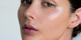 Glossy Makeup - The Trend To Look Out For In 2019