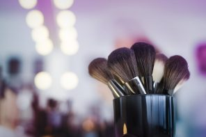 Your Guide to Makeup Brushes and Their Uses