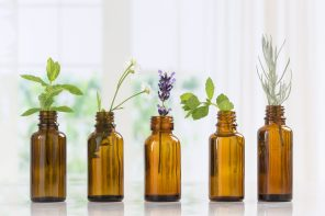 5 Handpicked Essential Oils That Heal And Soothe Your Skin